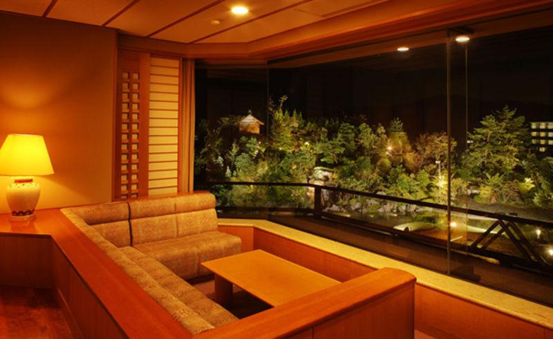 【庭側眺望確約】6000坪の庭園を望むお部屋に泊まる「ガーデンサイド・ステイ」