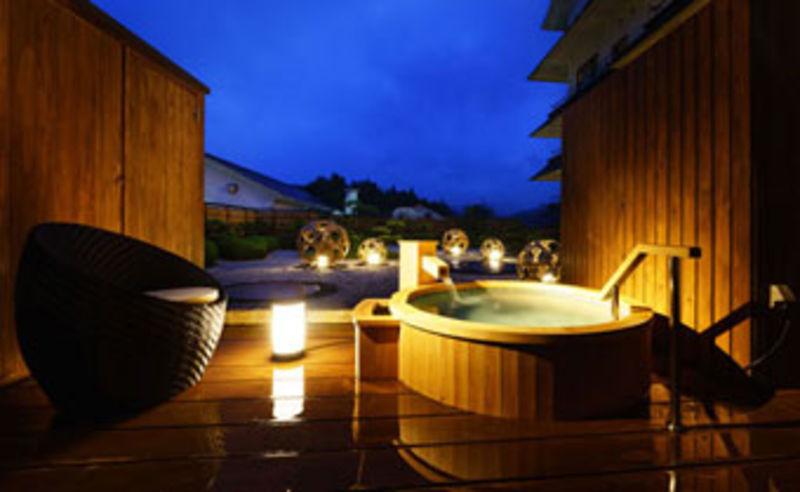 シモンズベッド&こだわりのインテリア♪庭園を眺めて過ごす☆露天風呂付客室プラン