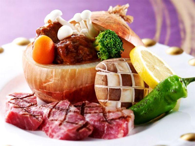 【お肉会席】オープンキッチンより出来立てを!とろけるお肉のフルコース